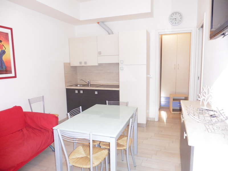 Lido di Spina apartment rental, beach holiday. Accommodation for 4 people with air conditioning, near the sea - Apartment Garda