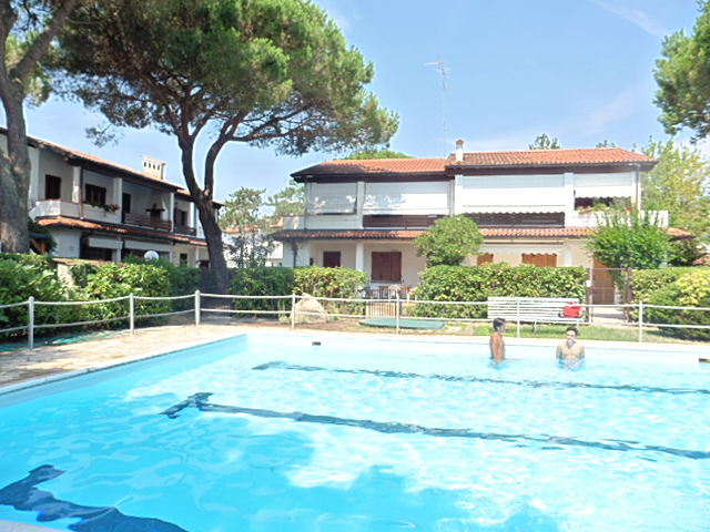 Rent holiday homeresidence with swimming-pool, on the ground floor - Swimming 1/D