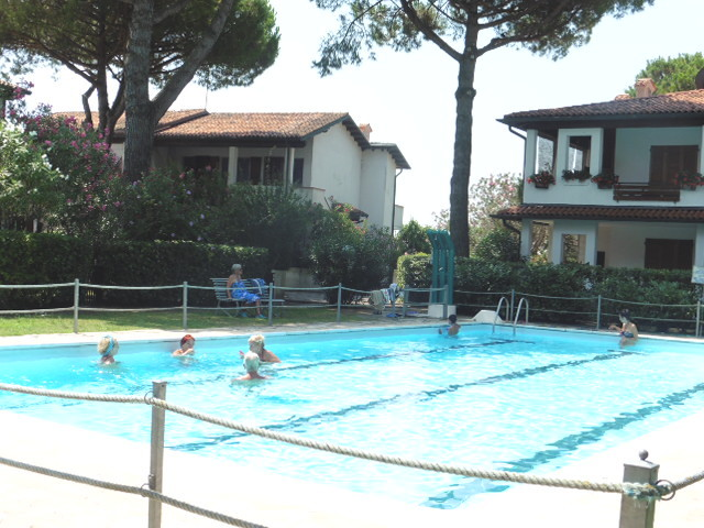Lido di Spina rental villa residence with swimming pool - Swimming 2B